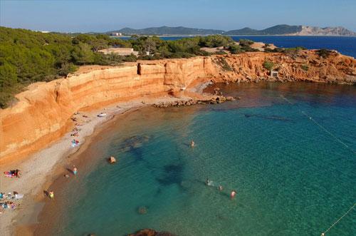 bezienswaardigheid Ibiza Sa Caleta